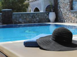 Hotel Thira, hotel near Museum of Prehistoric Thera, Fira