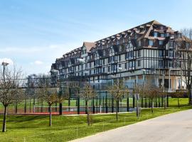 Hôtel Barrière L'Hôtel du Golf, hôtel à Deauville
