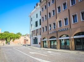 Hotel Centrale, hotel near Parco Regionale dei Colli Euganei, Este