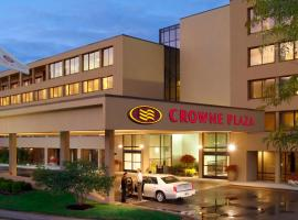 Crowne Plaza Hotel Indianapolis Airport, hotel near Indianapolis International Airport - IND, Indianapolis