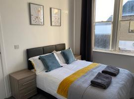Carvetii - Edward House B - 2 Dbl bed 1st floor flat, pet-friendly hotel in Dunfermline