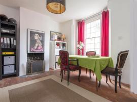 Highbury Hill room, B&B in London