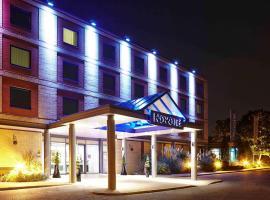 Novotel London Heathrow Airport M4 Jct. 4, hotel near London Heathrow Airport - LHR, Hillingdon