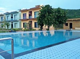 Chitrakoot Garden and Resorts, hotel with pools in Pushkar