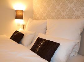 List Five - Your British Guesthouse, hotel near Altes Schauspielhaus, Stuttgart