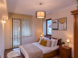 Charming Ski Apartments Near Gondola & Bar Street, Cedar Lodge 1 Complex, хотел в Банско