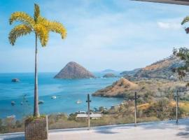 Sunset Hill Hotel, hotel in Labuan Bajo