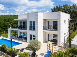 Studio Holiday Home in Klimno, hotel with pools in Klimno