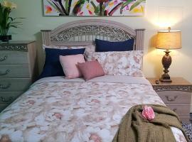 Private room with private kitchen and Bathroom, homestay in Kissimmee