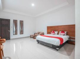 OYO 686 Bunga Karang Hotel, hotel near Bekasi Train Station, Bekasi