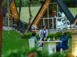 Royal Classic Resort, hotel in Kandy