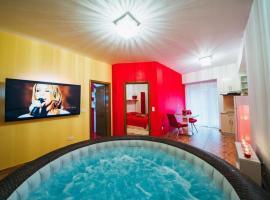 50 nijansi crvene, hotel with jacuzzis in Baška Voda