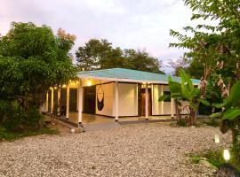 Casa Del Bambu, hotel en Puerto Jiménez