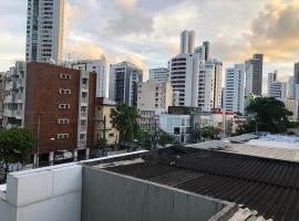 APT PROX AO MAR BOA VIAGEM - B. CAMAÇARI, apartment in Recife