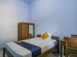 SPOT ON 2336 Beta Family Residence, hotel in Banyuwangi