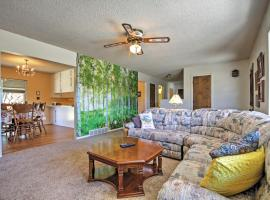 Bryce Canyon Area House - NO Cleaning Fee!, hotel in Tropic