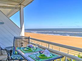 Oceanfront Virginia Beach Studio with Community Pool, apartment in Virginia Beach