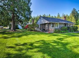 Waterfront Home - Easy Access to Olympic Peninsula, hotel in Sequim