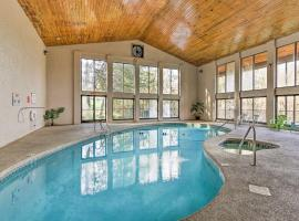 Spacious Resort Condo Central Locale by Dollywood, apartment in Pigeon Forge
