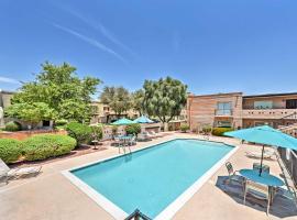 Casa Feliz Scottsdale Condo with Pool by Downtown!, villa in Scottsdale