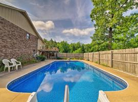 Columbus House with Pool and Balcony, 4 Mi to Downtown, hotel in Columbus
