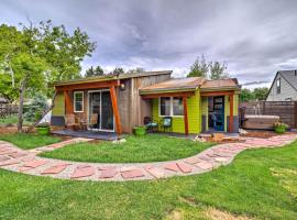 Fort Collins Home with Hot Tub - 5 Min to Old Town!, hotel with jacuzzis in Fort Collins