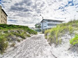 Clearwater Beach Cottage with Pool Near Sugary Sand!, villa in Clearwater Beach