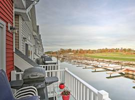 Townhome with Attached Boathouse on Alexandria Bay!, holiday home in Alexandria Bay