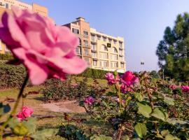 Woodpecker Suites & Hotels, hotel near Ayūb National Park, Rawalpindi