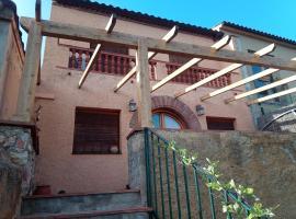 Montserrat holidays Casa Rural, hotel cerca de Campo de Golf Port del Compte, Collbató