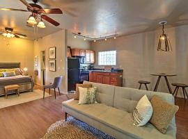 Cozy Tucson Studio Cottage - 4 Miles to Downtown!, apartment in Tucson