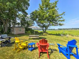 Lovely Blue Heron Cottage on Annisquam River!, holiday home in Gloucester