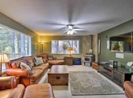 Pet-Friendly Arnold Home - Steps to Hiking Trails!, hotel in Arnold