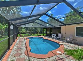 Waterfront Crystal River House with Screened-in Pool!, holiday home in Crystal River