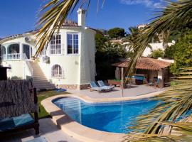 villa Belucra,10p,seaview,jacuzzi,pool, cottage in Calpe