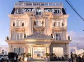 La Vie En Rose Villa, отель в Далате