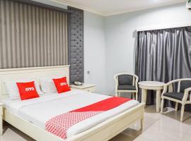 OYO 2085 Chrysanta Hotel, hotel near Istana Plaza, Bandung