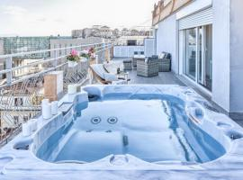 St. Peter penthouse, hotel with pools in Rome