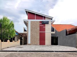 OYO Life 2116 Orshid House, hotel near Brown Canyon, Semarang