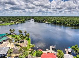 Homosassa River Home with Private Boat Ramp and Kayaks, villa in Homosassa