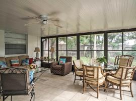 Quiet Home Near Shopping and 15 Miles From Orlando!, budget hotel in Orlando