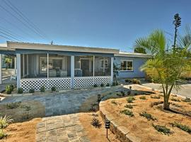 Cozy Cocoa Beach Bungalow - Walk to Beach and Pier!, vacation rental in Cocoa Beach