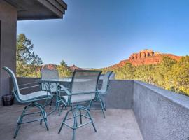 2-Acre Sedona Casita with Deck and Red Rock Views!, apartment in Sedona