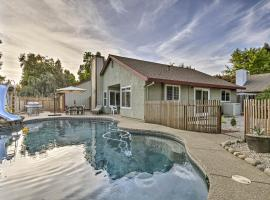 Modern Home with Pool and Office - Near DT Sacramento!, vacation rental in Sacramento