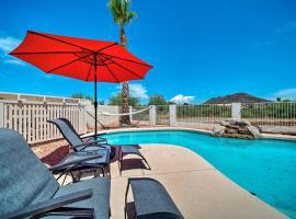Glendale Escape about 7 Mi to Peoria Sports Complex!, villa in Phoenix