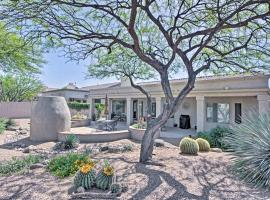 Oro Valley House with Outdoor Fireplace and Mtn Views!, hotel in Oro Valley
