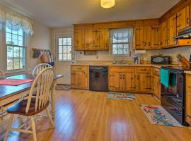 Cozy Yarmouth Home - Walk to Colonial Acres Beach!, hotel in West Yarmouth