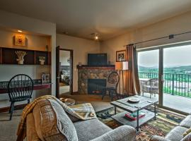Luxe Pigeon Forge Condo with Resort Pools and Hot Tubs, apartment in Pigeon Forge