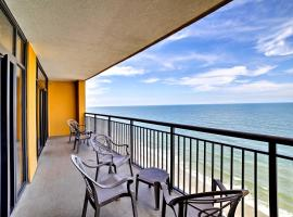 Beachfront Myrtle Beach Condo with Pool and Ocean View, villa in Myrtle Beach