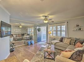 Greenville Townhome w/ Patio, 20 mins. to Clemson!, vacation rental in Greenville